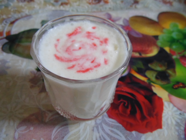 Image of a glass of lassi